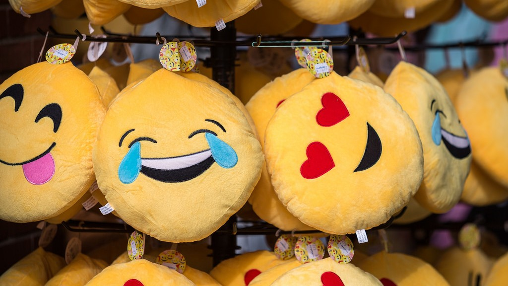 What does Emoji Use Tell us About National Culture